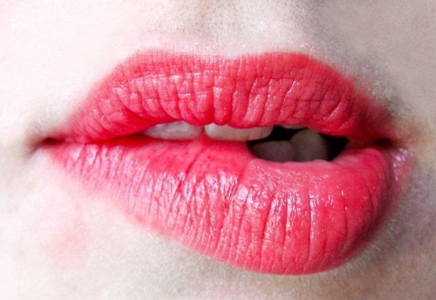 lips___lust_by_sawyerr-d3ar3c3